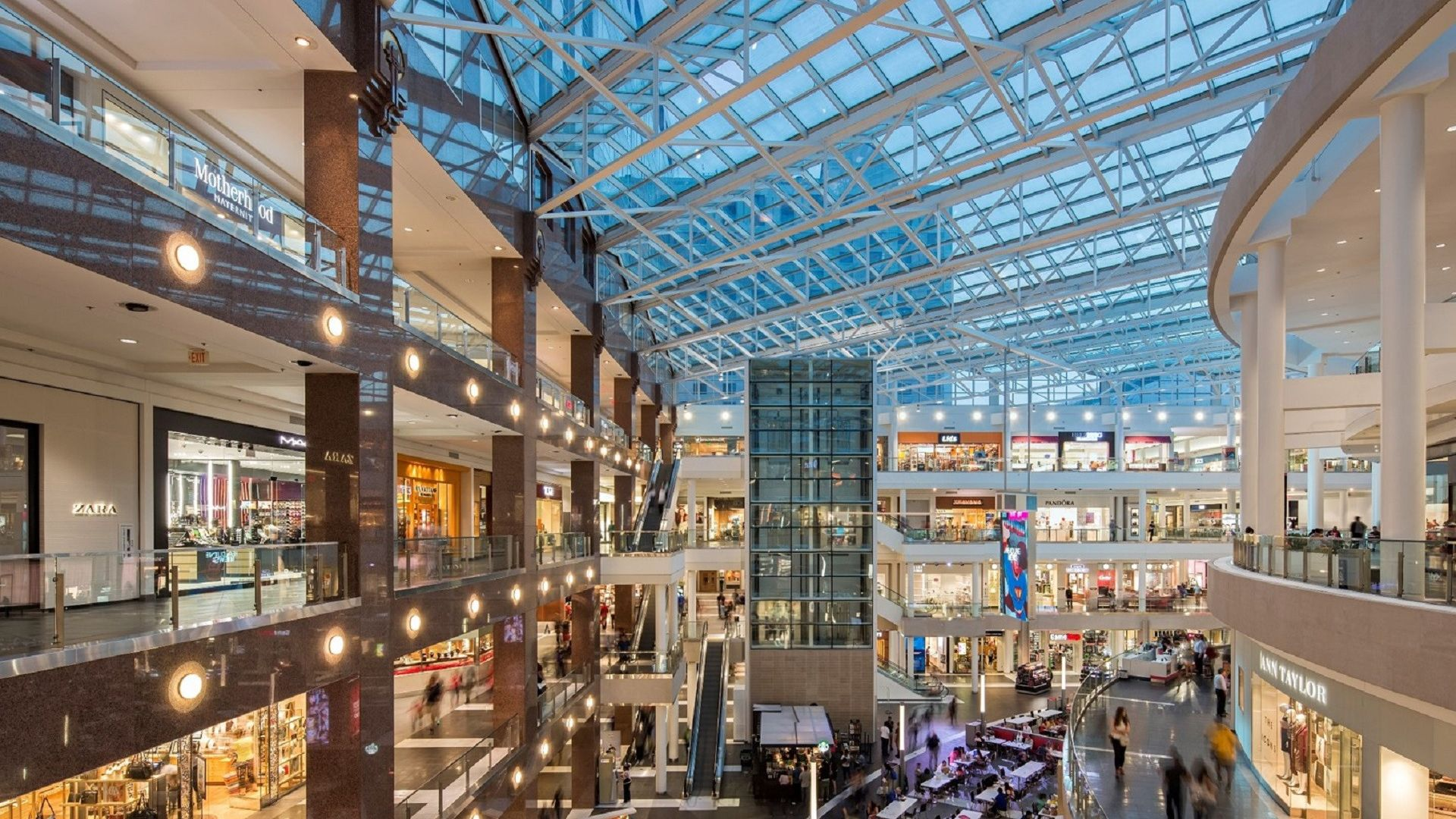 The fashion centre at pentagon city 83