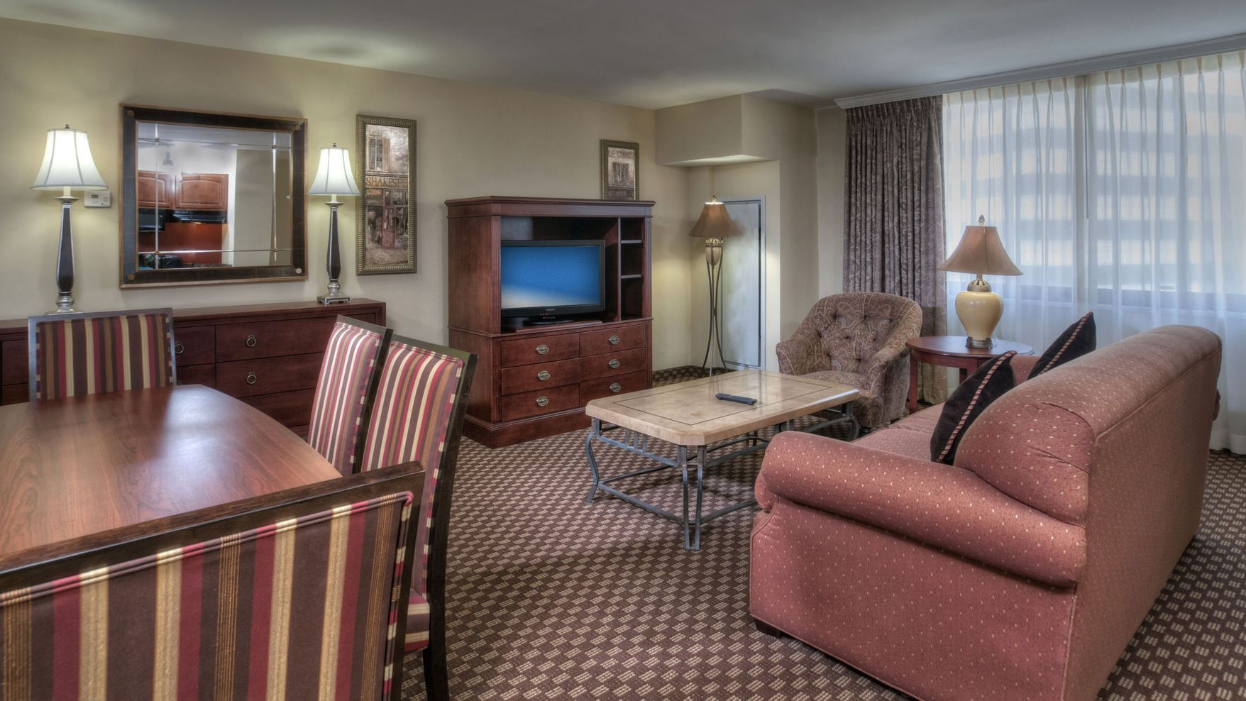 Arlington Court Suites - A Clarion Collection Hotel